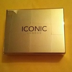 ICONIC London Brows Cushion